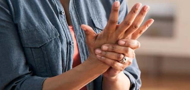 أعراض الروماتويد في اليد