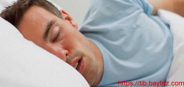كيف أتخلص من الكلام أثناء النوم