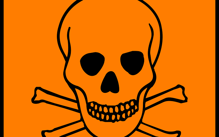 الخمسة المميتات .. أخطر 5 مركبات تصيبك بالتسمم الغذائي