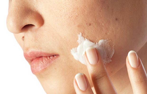 أهم أنواع الاطعمة التي تسبب جفاف الجلد