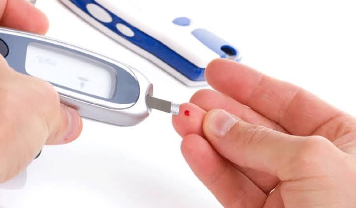 اسباب مرض السكري عند الاطفال والكبار: الانواع والعلاج