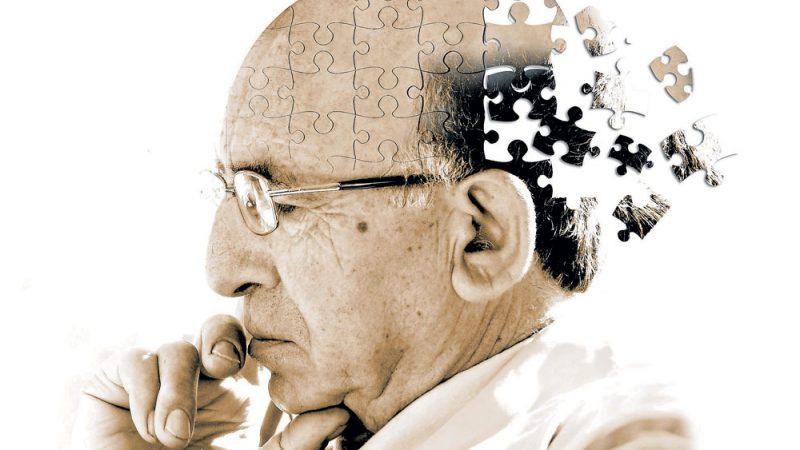 اعراض مرض الزهايمر .. وطرق العلاج